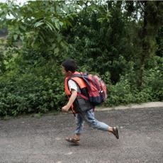 HOROR U ŠKOLI: Učitelj skalpirao đaka zbog priče na času, dečaku izvučeno litar krvi iz mozga, Kina u šoku