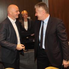 HRVATI SMENILI ŠUKERA: Novog predsednika izabrali jednoglasno (FOTO)