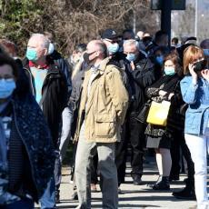 HRVATSKA NA RUBU VAKCINALNE KATASTROFE: Juče ljudi poljubili vrata, jutros guranje i gužva na glavnom punktu za vakcinaciju