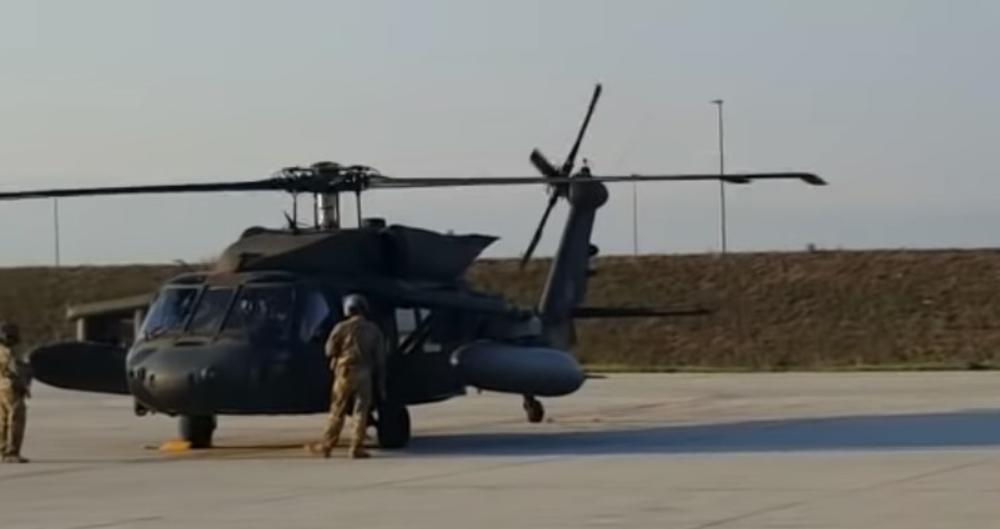 HRVATSKA SE NAORUŽAVA: Posle aviona, stigli i američki helikopteri! Vlada SAD poklonila dva blekhoka vredna 50 miliona dolara (VIDEO)