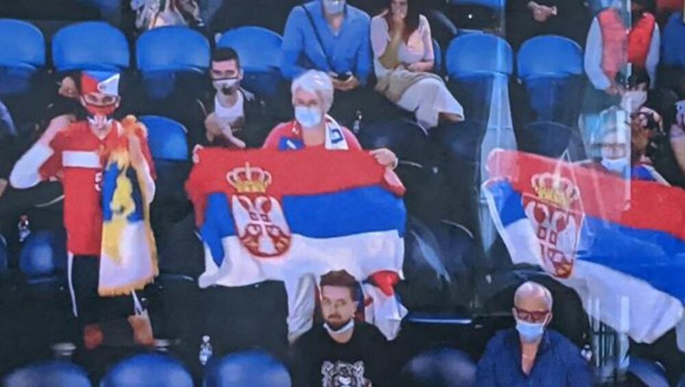 HULIGANI IZAZVALI HAOS U AUSTRALIJI: Albanski navijači skandirali Kosovo je Albanija, pa napali srpske pristalice, povređen dečak
