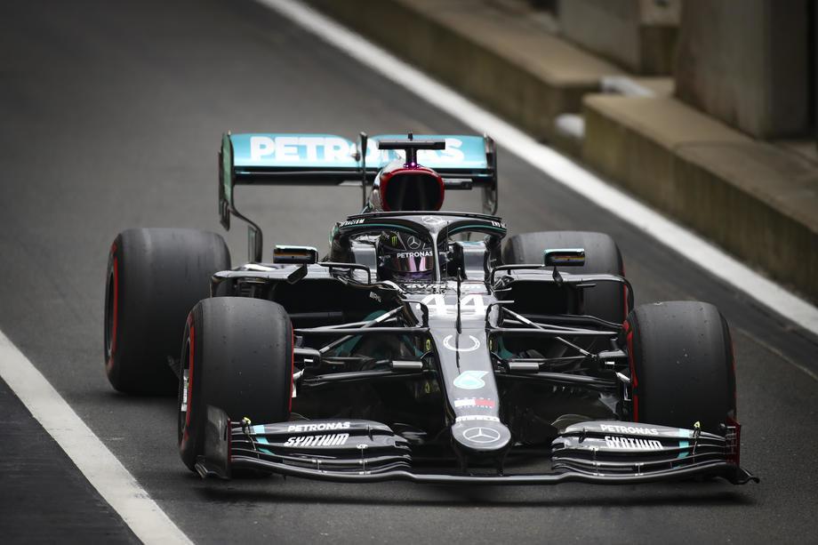 Hamilton potpisuje novi ugovor sa Mercedesom pre pauze