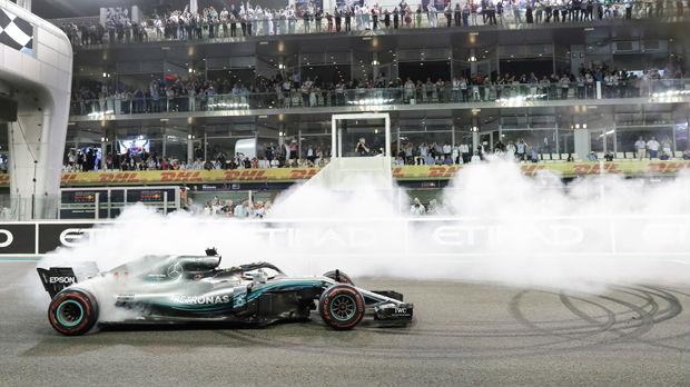 Hamilton u Abu Dabiju stavio tačku na šampionsku sezonu