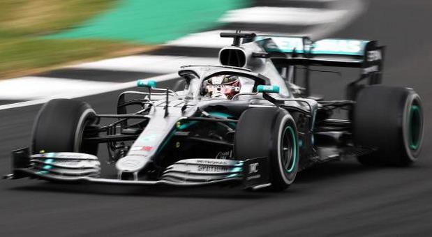 Hamilton zatražio povećanje godišnje plate u Mercedesu na 55 miliona evra