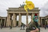 Haos na ulicama Berlina: Uhapšeno desetine ljudi, povređeni policajci VIDEO/FOTO