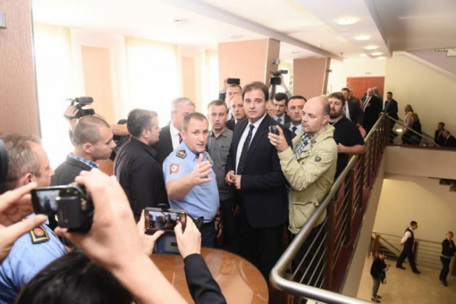 Haos u Narodnoj skupštini RS-a: Radončić i Ahmetović pomogli Dodiku da ima kvorum za održavanje sjednice