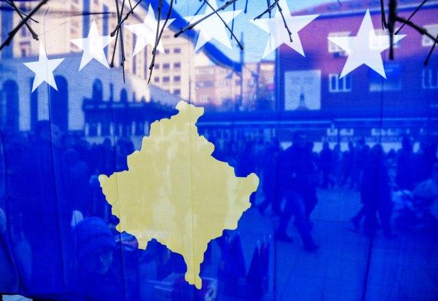 Haos u Prištini: Sukob crnogorskih navijača s obezbeđenjem, s tribina se orilo UČK, UČK VIDEO
