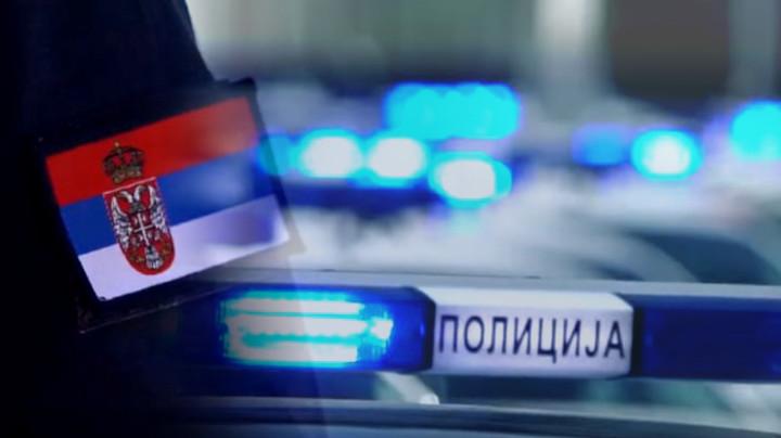 Hapšenje u Kragujevcu: STARAC STAJAO NAG U ŽBUNU I DOBACIVAO TINEJDŽERKAMA