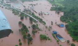 Helikopteri spasli putnike iz voza blokiranog poplavama u Indiji