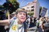 Hiljade ljudi na ulicama protiv novih mera - Misli! Nemoj da nosiš masku! VIDEO/FOTO