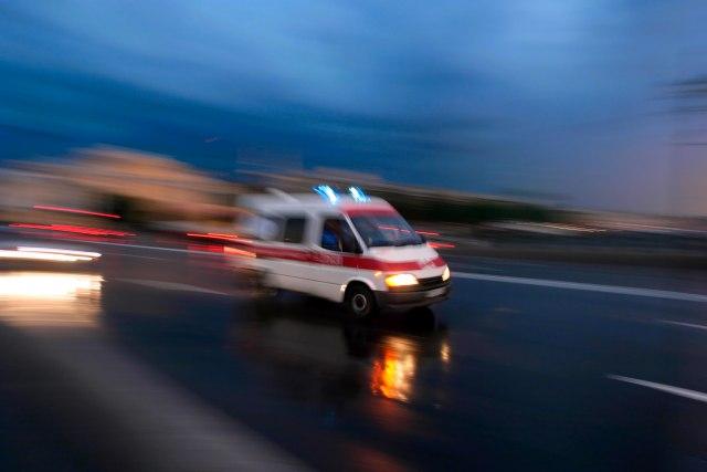 Hitna pomoć noćas na terenu zbog udesa: Šest saobraćajnih nezgoda