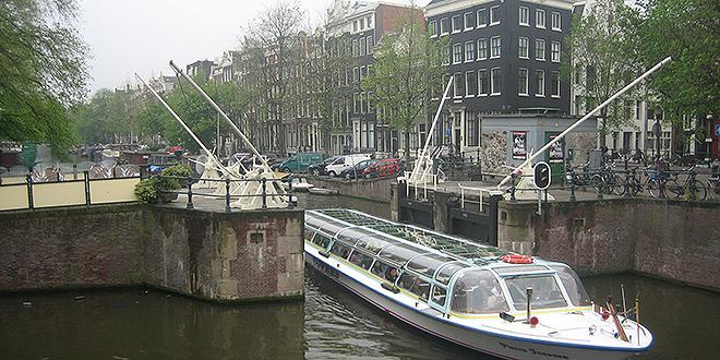 Holandija: Jedna osoba ubijena, jedna ranjena, pucano na policiju