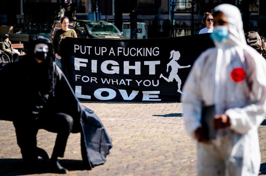 Holandija:Tokom sinoćnih demonstracija policija privela više od 180 osoba