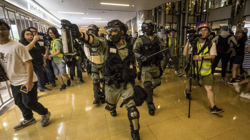 Hong Kong: U sukobu policije i demonstranata teže povrijeđene tri osobe