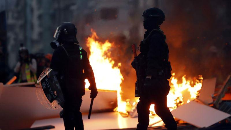 Hongkong: Policajac ranjen u nogu strelom tokom demonstracija