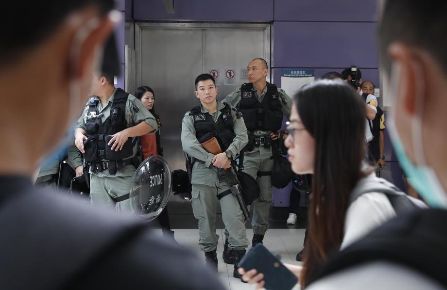 Hongkong: Prodemokratskim kandidatima više od polovine mesta