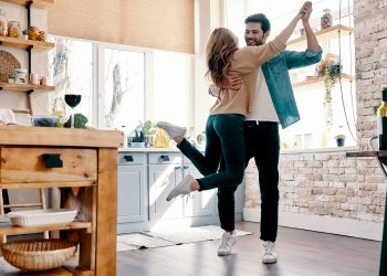 Horoskop za 6. jul: Dan idealan za poslovne aktivnosti, romantične trenutke i relaksaciju