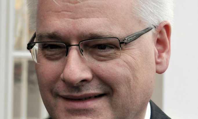 Hrvatska: Josipović bi se kandidovao za predsednika, ali...
