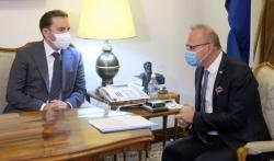 Hrvatska očekuje početak pristupnih pregovora EU i S.Makedonije do kraja ove godine