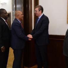 Hvala na podršci suverenitetu Srbije Vučić sa ministrom spoljnih poslova Grenade