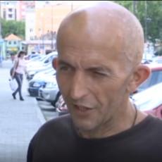 I DALJE TRČI DO ŽIVOTNOG CILJA - DA VRATI DECU! Đorđe Joksimović po sedmi put krenuo peške za Beograd