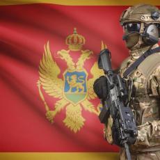 I VOJSKA STALA UZ SVOJ NAROD: Više od 120 vojnika i oficira podržalo SPC!