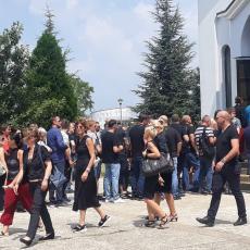 I voditeljka Beogradske hronike došla da oda poslednju počast kolegi Igoru Bulatu (FOTO)