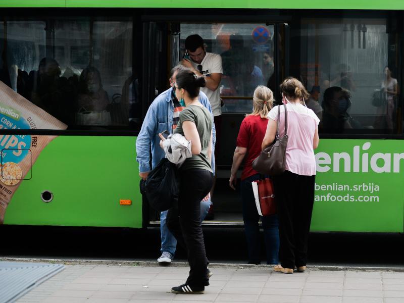 I vozači i putnici mere u gradskom prevozu poštuju selektivno