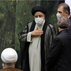IBRAHIM RAISI STUPIO NA ČELO IRANA: Položio predsedničku zakletvu pa poslao snažnu poruku narodu
