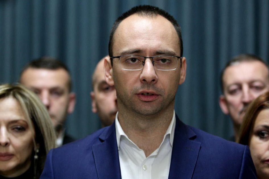 IGOR SIMIĆ, POSLANIK SRPSKE LISTE, ZA KURIR: Najugroženija grupa u Evropi su Srbi s Kosova i Metohije!