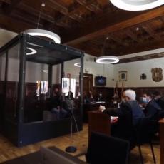 IGOR SRBIN OSUĐEN ZA TROSTRUKO UBISTVO: Hladnokrvni ubica izricanje presude saslušao u neprobojnom kavezu (VIDEO)
