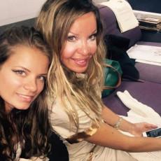 IMALA JE 360 PLASTIČNIH ZAHVATA: Zavisnost od operacija UNIŠTILA ŽIVOT slavne manekenke i njene ćerke (FOTO)