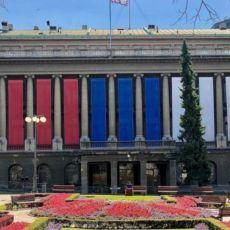 IMPRESIVNO: Pogledajte kako je Vučić ukrasio zgradu Predsedništva na Dan srpskog jedinstva (FOTO)
