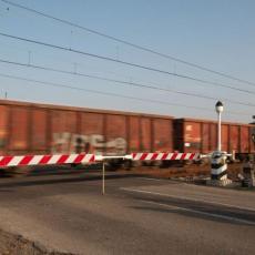 INCIDENT KOD KRALJEVA: Putnički voz izleteo iz šina!