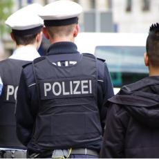INCIDENT u Nemačkoj: Suspendovani policajci zbog nacističkog pozdrava