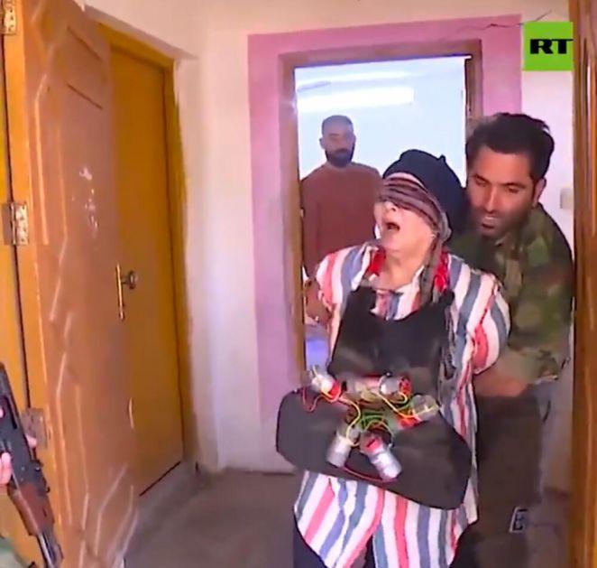 IRAČANI DIGLI HAJKU NA SKRIVENU KAMERU: Lažni džihadisti ISIS žrtve hteli da dignu u vazduh, kolju i streljaju! VIDEO