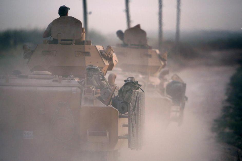ISPLIVALI PRVI SNIMCI NAPADA TURAKA NA SIRIJU: Artiljerija tuče, avioni bruje a u napadu poginulo dvoje civila (FOTO, VIDEO)