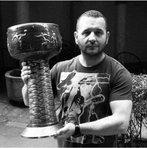ISPUNJENA POSLEDNJA ŽELJA: Partizan pomogao obnovu doma navijača Gorana Aćimovića Aćima koji je umro od virusa korona