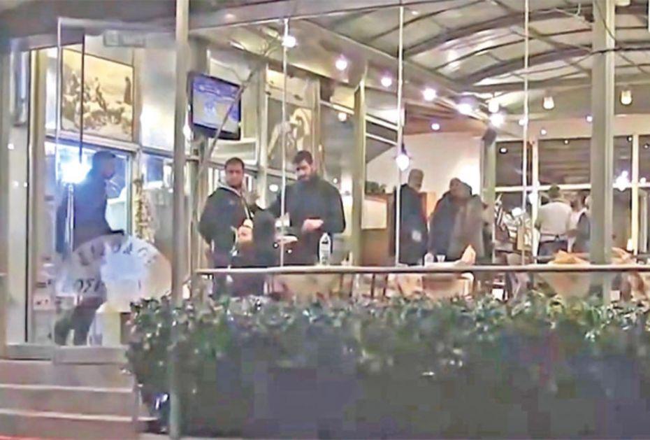 ISTRAGA UBISTVA ŠKALJARACA U ATINI POLICIJA TRAGA ZA IGOROVIM DRUGOVIMA:Vođe redovno dolazile u restoran sa 3 muškarca