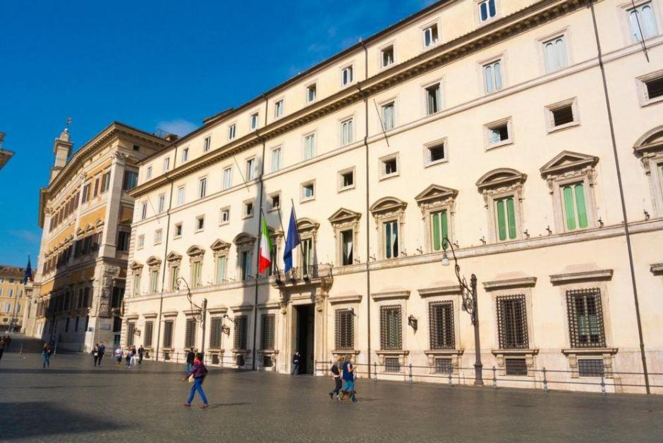 ITALIJANSKA VLADA USVOJILA RIGOROZNE MERE Svi radnici moraju da imaju kovid potvrde ili im slede ŽESTOKE KAZNE