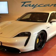 IZ ISTE KUĆE: Na crtu stali 911 Turbo S i Taycan Turbo S