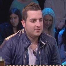 IZAŠAO IZ ZATVORA nakon 72 dana, zabranili mu ulazak u Srbiju: Pevač tvrdi da nije zlostavljao suprugu