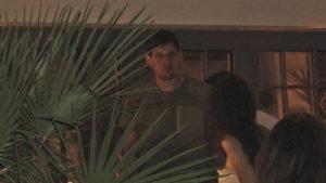 IZAŠAO U NOĆNI PROVOD Bobi Marjanović je uživao sa suprugom kada ih je PREKINULA GRUPA MLADIĆA, a o njegovoj reakciji se priča (VIDEO)