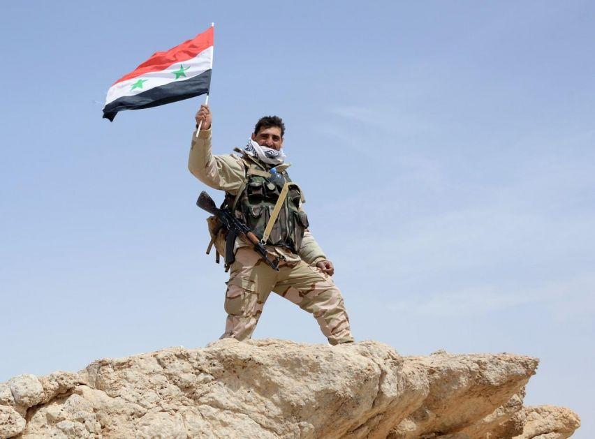 IZBILE TEŠKE BORBE NA IDLIBSKOM FRONTU: Nagoveštaj pred opšti juriš na džihadistički raj, Asadove snage spremne