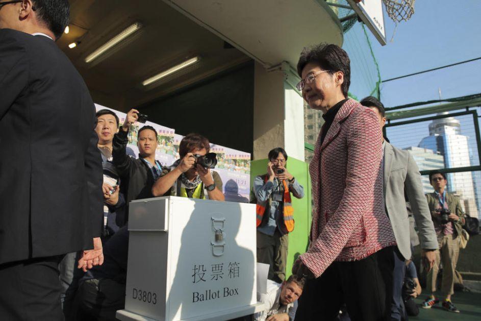 IZBORI U HONGKONGU: Posle nekoliko meseci nasilnih protesta građani izlaze na glasanje, rekordan odziv birača!(VIDEO)