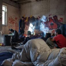 IZMEŠTENO 187 MIGRANATA IZ NAPUŠTENOG OBJEKTA: Veliki broj pokušaja prelaska hrvatske granice