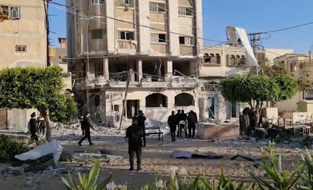 IZRAEL GAĐAO JEDNO OD UPORIŠTA HAMASA: Pogledajte kako je zgrada banke sravnjena sa zemljom VIDEO