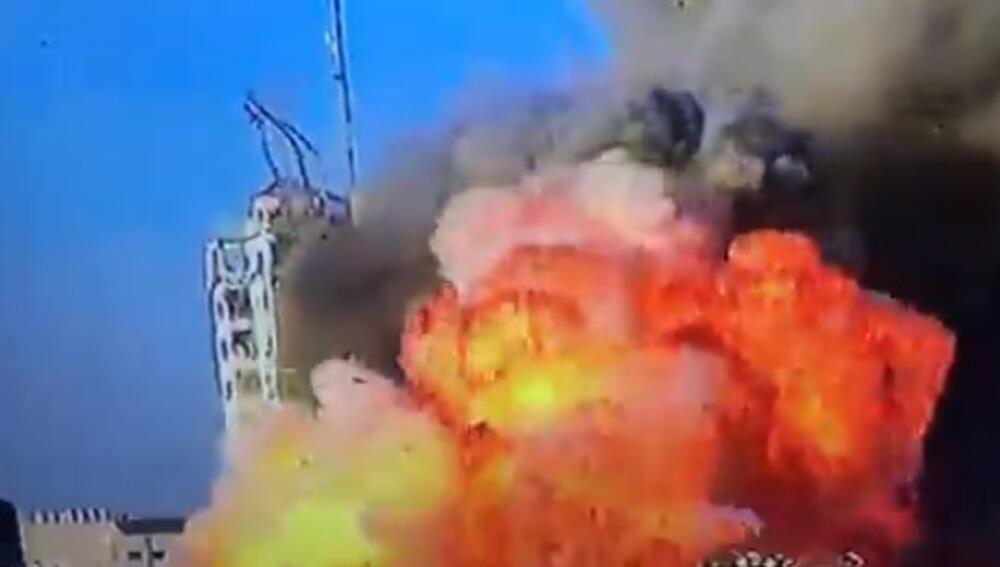 IZRAELCI SRUŠILI NAJVIŠU ZGRADU U GAZI: Upozorili na napad, kažu da se tu kriju komandiri Hamasa VIDEO