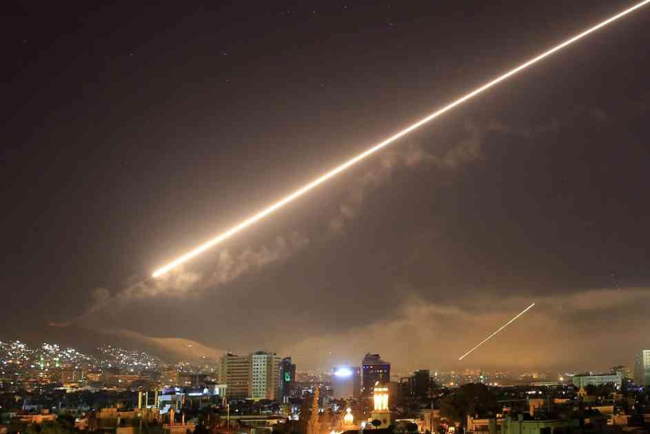IZRAELCI ZASULI DAMASK RAKETAMA, SIRIJSKI PVO IH SVE POOBARAO: Objavljen snimak odbijanja raketnog napada! Povređena 3 vojnika! (VIDEO)