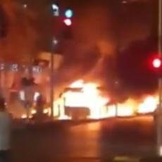 IZRAELSKI AVIONI POLETELI KA GAZI: Horor scene na ulicama Tel Aviva, gomile spaljenih vozila - ima mrtvih i ranjenih (VIDEO)